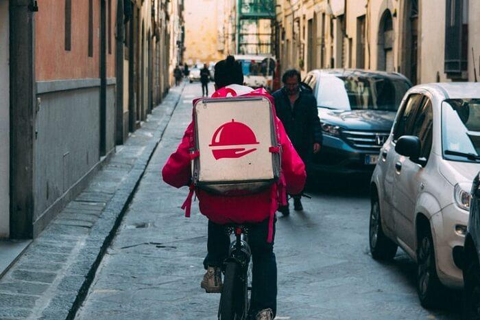 自転車宅配人